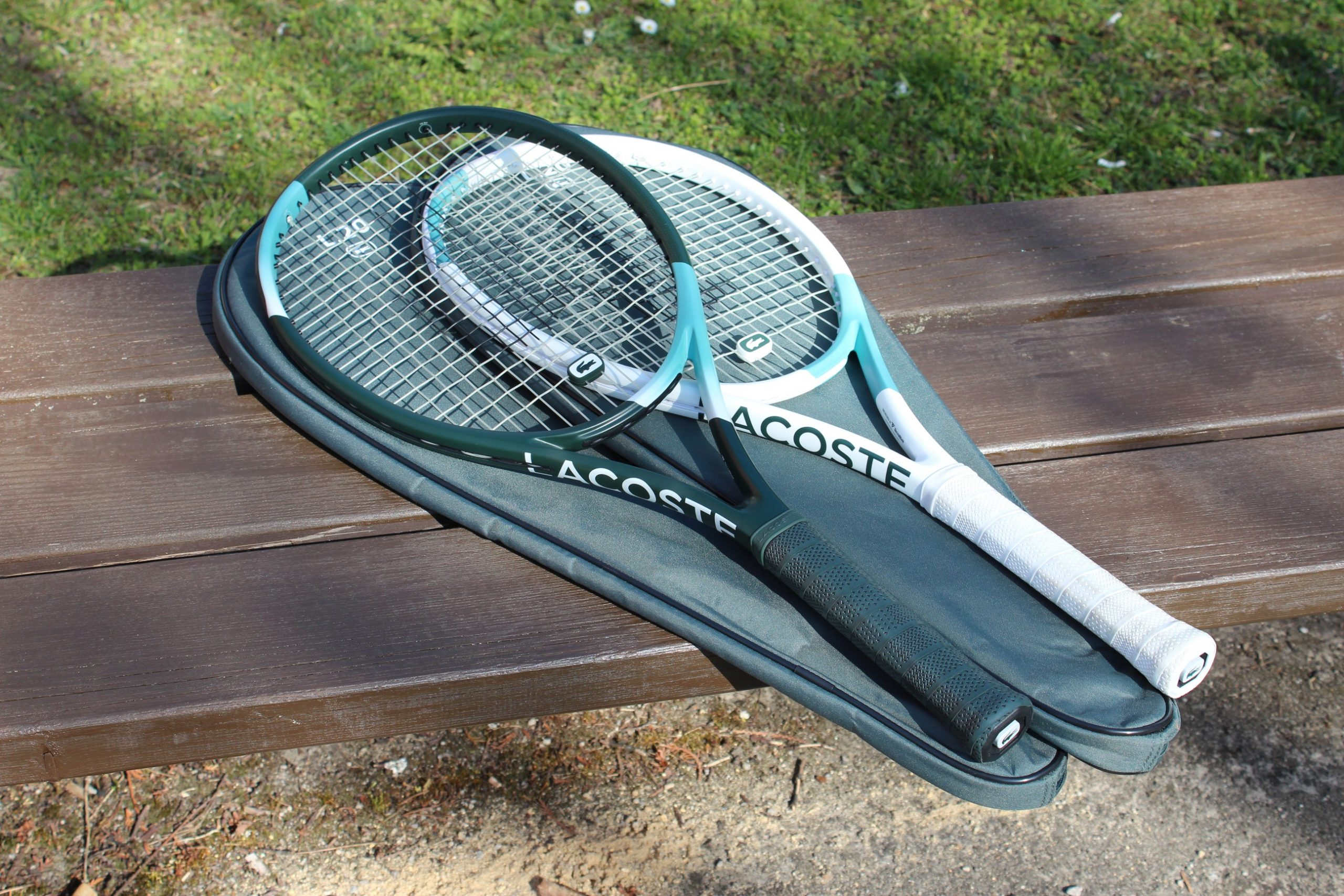 Recenze tenisových raket LACOSTE L20 / L20L – společenské rakety pro movité